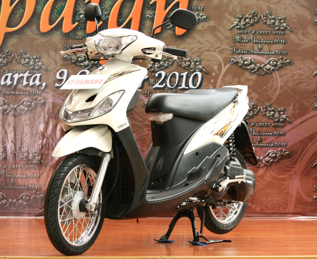 terbaru modifikasi motor mio sporty warna putih