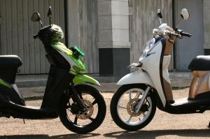 Yamaha Mio Sporty vs Honda Scoopy