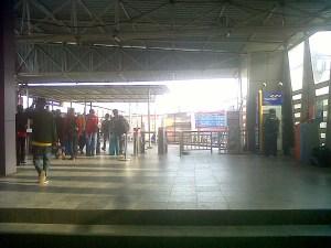 Suasana stasiun Citayam di waktu pagi. Kesan kumuh yang dulu ada, kini nyaris tidak bersisa.