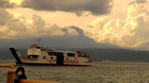 Kapal Ferry yang melayani penyeberangan Ketapang - Gilimanuk.