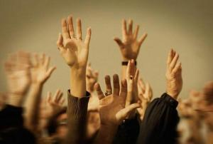 sumber foto: http://wedo.org/wp-content/uploads/2013/09/raised-hands.jpg