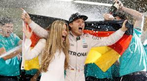 Setelah 10 tahun berkiprah di F1, akhirnya Nico Rosberg berhasil menjadi juara dunia.